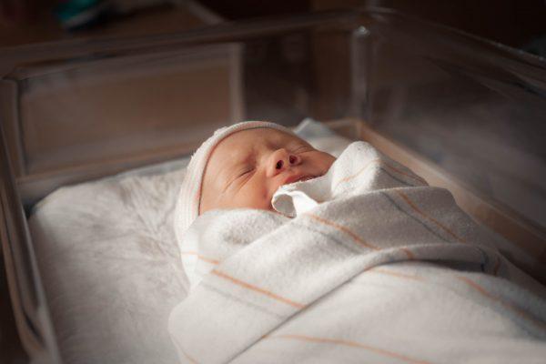 Quel linge de lit pour un bébé à la peau atopique?